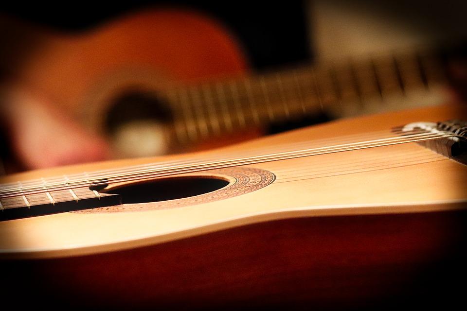 הצעדים הראשונים בעולם הנגינה גיטרה קלאסית למתחילים